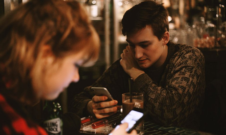 Should I Download A Dating App? | Our Daily Bread Ministries